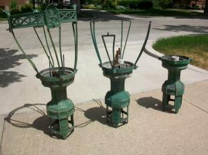 A few original lamp baskets in disrepair.